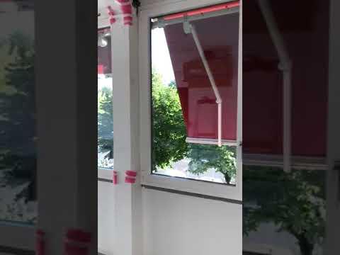Chiusura di veranda con profilo reynaers 68 hi e tenda da sole motorizzata