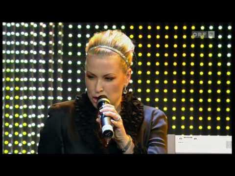 Anastacia -  I m Outta Love @  Womens World Awards 2009