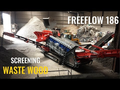 EDGE FreeFlow 186  Flip Flow Screen Processing Shredded Waste Wood