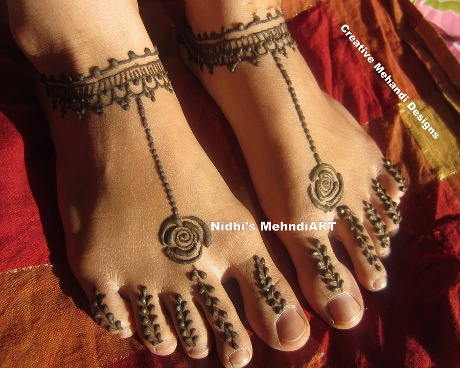 Simple Ornamental Jewellery Designed Feet Henna Mehndi Design