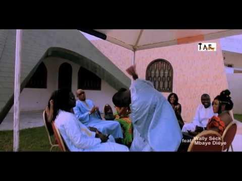 "Fata Feat Mbaye Dieye & Waly Seck "" Nguenté ""   Real Papis Niang Art Bi"