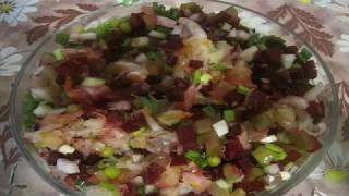 Винегрет свекла, кислая капуста и огурец, зеленый горошек