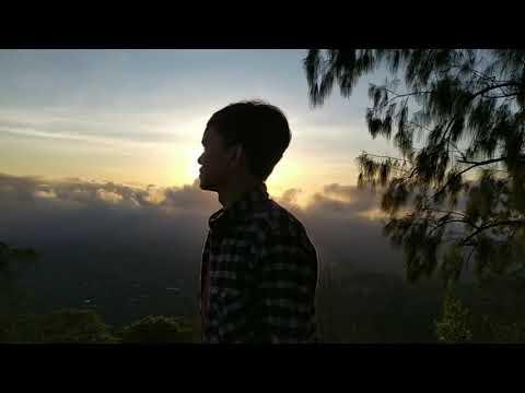 Menikmati Sunrise Di Bukit Jabal Dau Malang Youtube
