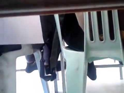 คลิปหลุด แอบถ่ายใต้โต๊ะ 555