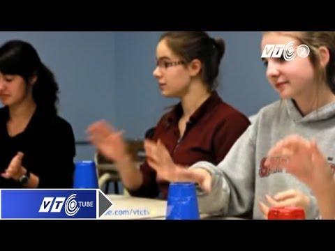 Độc đáo: Chơi nhạc bằng cốc nhựa | VTC