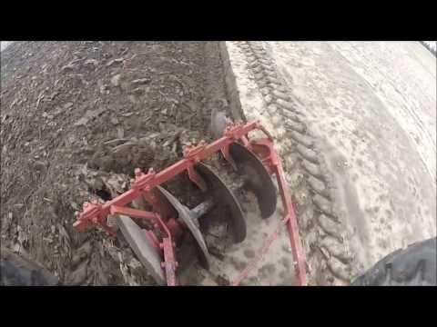 Самодельный трактор сам пашет 113