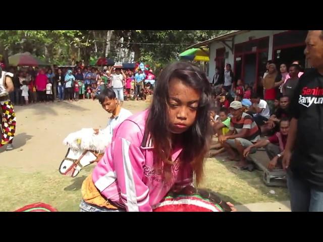 Penyembuhan Ebeg Mendem Jam 14 24 Tunas Megayasa di Nusa Krincing Jepara Kulon