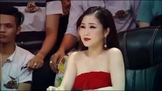 """Hương Tràm bị Trường Giang """"đá xéo"""""""