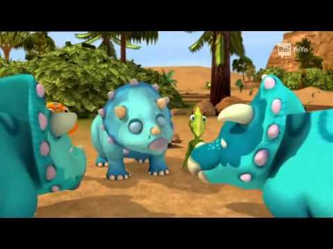 Il treno dei dinosauri episodio 2 una giornata con i triceratopi giochi e cartoni per bambini - Tavolino con sedia per bambini ...