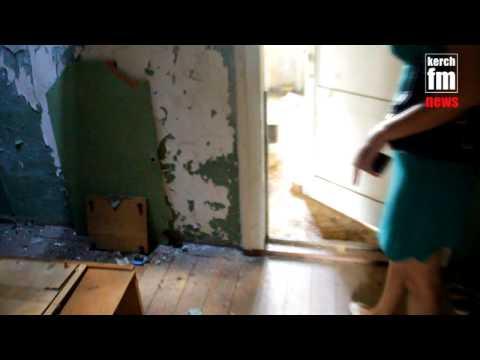 2 комнаты в доме-призраке дали многодетной семье из Керчи