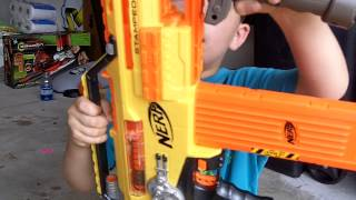Nerf N-Strike Stampede Fully Automatic Machine Gun - Review and Shooting by Reagans Toy Review