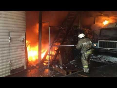 В Партизанском районе Красноярского края загорелись вагоны с лесом