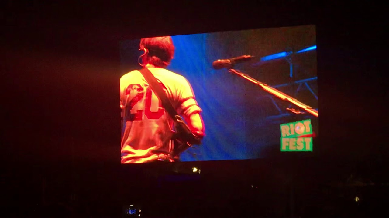Watch Weezer Cover Blink-182's 'All the Small Things' at Chicago's Riot Fest