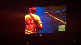 Blink-182 had to cancel last minute and Weezer stepped in so they c...