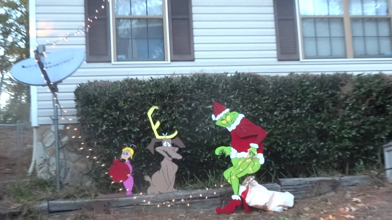 Grinch stealing lights christmas decorations - The Grinch Is Stealing Our Lights