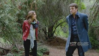 """Castle 7x19 """"Habeas Corpse"""" Castle Beckett Free Themselves From Zip Ties"""