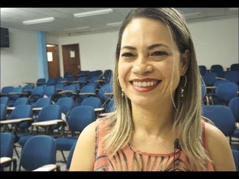 """Escola, práticas sociais e as """"Perspectivas para o ensino de Língua Portuguesa"""""""
