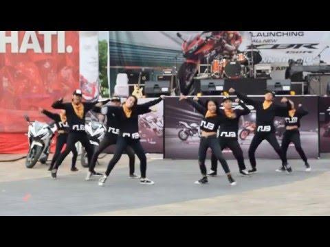 NUB STREED DANCE AT SKA MALL PEKANBARU LANCHING ALL NEW CBR HONDA