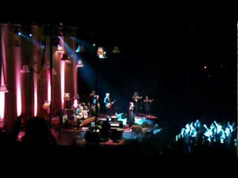 Adele [Encore] - Someone Like You & Rolling in the Deep - Live at the ACC - 5/18/2011