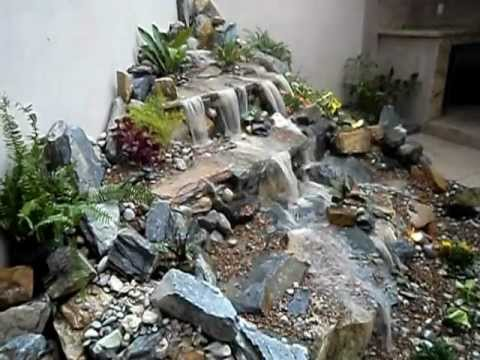 Cascadas de agua sin estanque youtube for Fuentes estanques para jardin