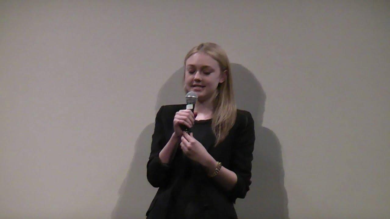 Dakota Fanning asked to sing at the SXSW Runaways ...