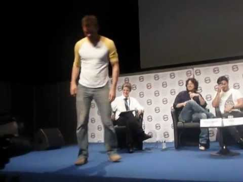 Austin nichols dancing in Comic Con Paris