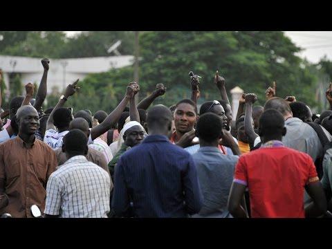 Coup d'État au Burkina Faso : la garde présidentielle dissout le gouvernement