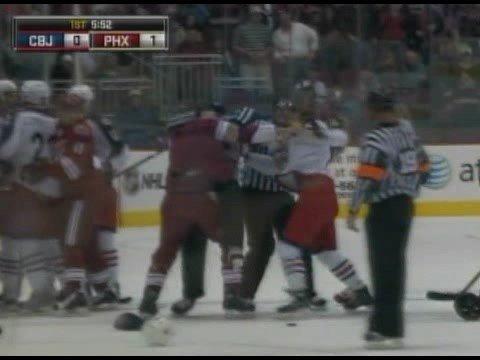 Derek Dorsett vs Daniel Winnik Oct 11, 2008