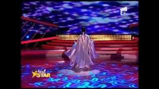 Andreea Tucaliuc - număr extraordinar de contorsionism pe scena Next Star!