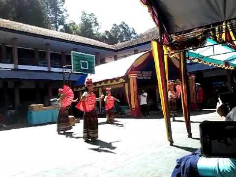 Tarian Kreasi SMA Pelita Rantepao