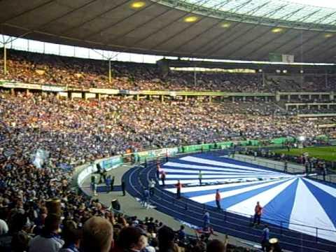 """Schalke 04 Lied """"Blau und Weiss""""из YouTube · Длительность: 3 мин13 с"""
