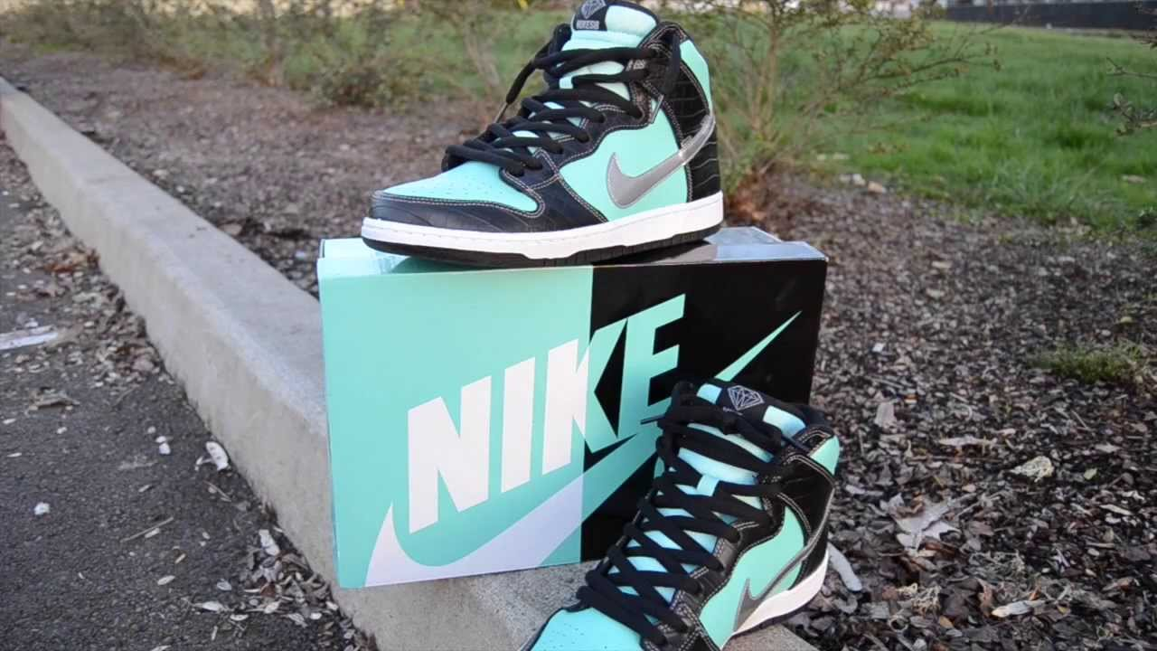 How to lace Nike Sb Dunk Highs - YouTube