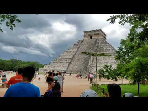 Pyramid of kukulcan and Temple of the Jaguar