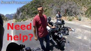 Motorcycle Perks #2: bikers help each other