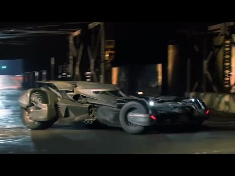 Batmobile Stunts | Batman v Superman | Featurette