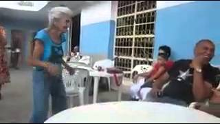 granny dance sexy (Disclaimer _ this video is not mine)