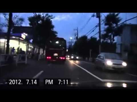 【ウン漏れ】突然ジグザグ走行をするコナミスポーツクラブの送迎バス