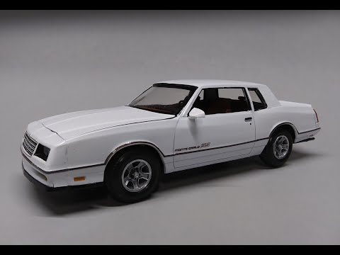 Revell 1986 Chevy Monte Carlo SS 2n1 1/24 Scale Model Kit
