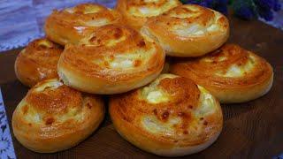 Булочки с луком сыром и творогом в духовке Домашние булочки на перекус на работу к чаю