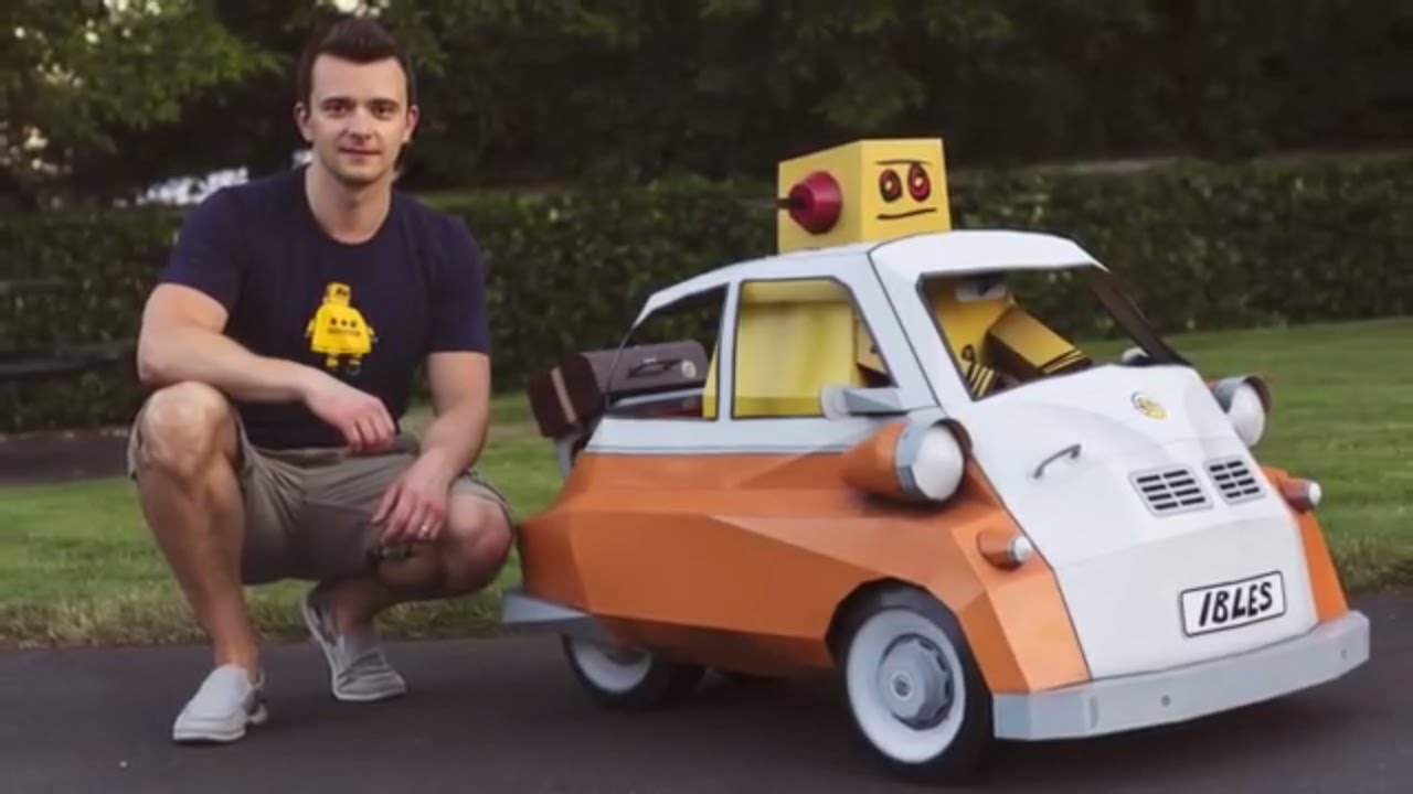 Papercraft Instructabot Goes To Town - Huge BMW Isetta Inspired Papercraft Model