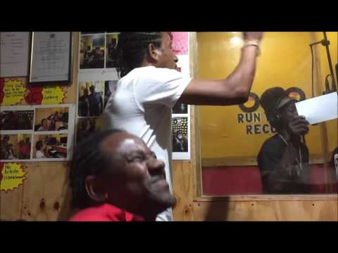 Sizzla  Voicing  Drum Pon Nuh live to see Tomorrow  dub  for Wayne Lonesome