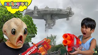 ALIENS NERF WAR in our home!!