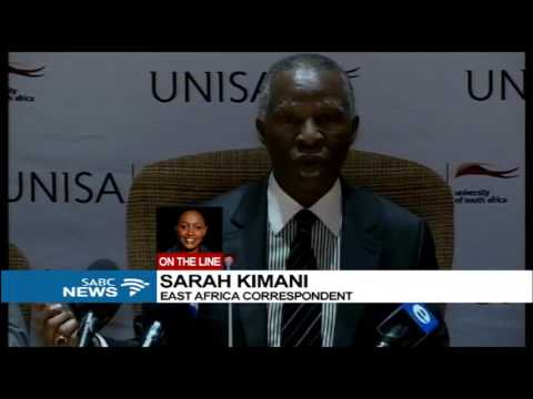 Mbeki receives an honorary degree from Kenya