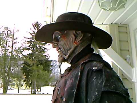 Jeepers Creepers Costume Lifesized Display Freddy Myers