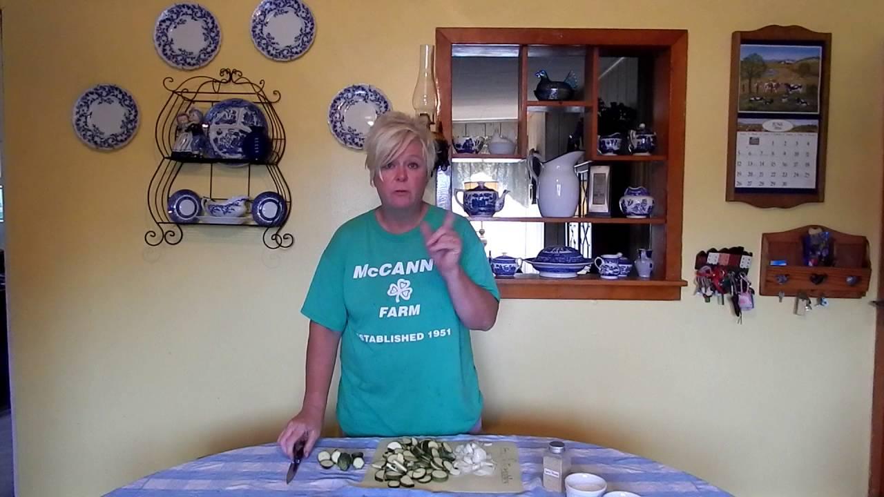 Anita\'s Kitchen: Sauteed Zucchini - YouTube