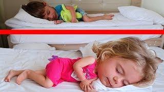 PARINTII au ramas in HOTEL Dormind | Unde au plecat COPIII | Sketch de la Anabella Show