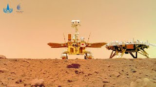 Spazio, la bandiera cinese su Marte: le nuove immagini del rover Zhurong sul pianeta rosso