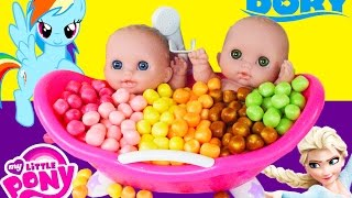Learn Colors, Baby Doll Bath Time Pretend Play Balls Surprise Frozen Minions Dory Toy Story Toys