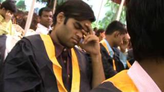 Sleeping Pills Given Bu DDU At Convocation Day