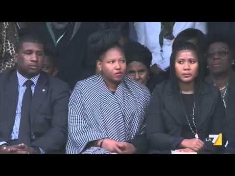 """Mandela, l'addio dei grandi della terra. Obama, """"un gigante della storia"""""""